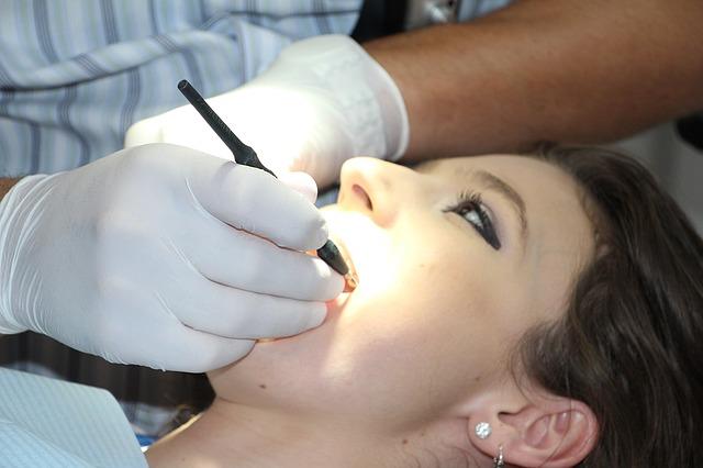 sprzęt stomatologiczny