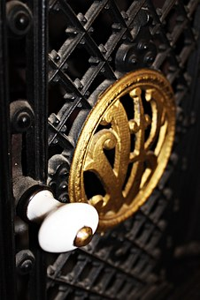 drzwiczki żeliwne